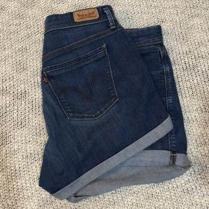 Midi-Waist Levi's Rolled Cuff Jean Shorts Size 12